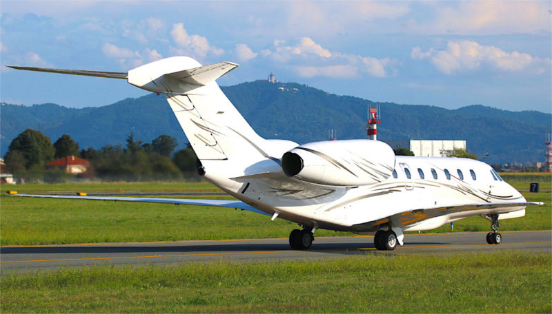 book a private flight with Luxwing