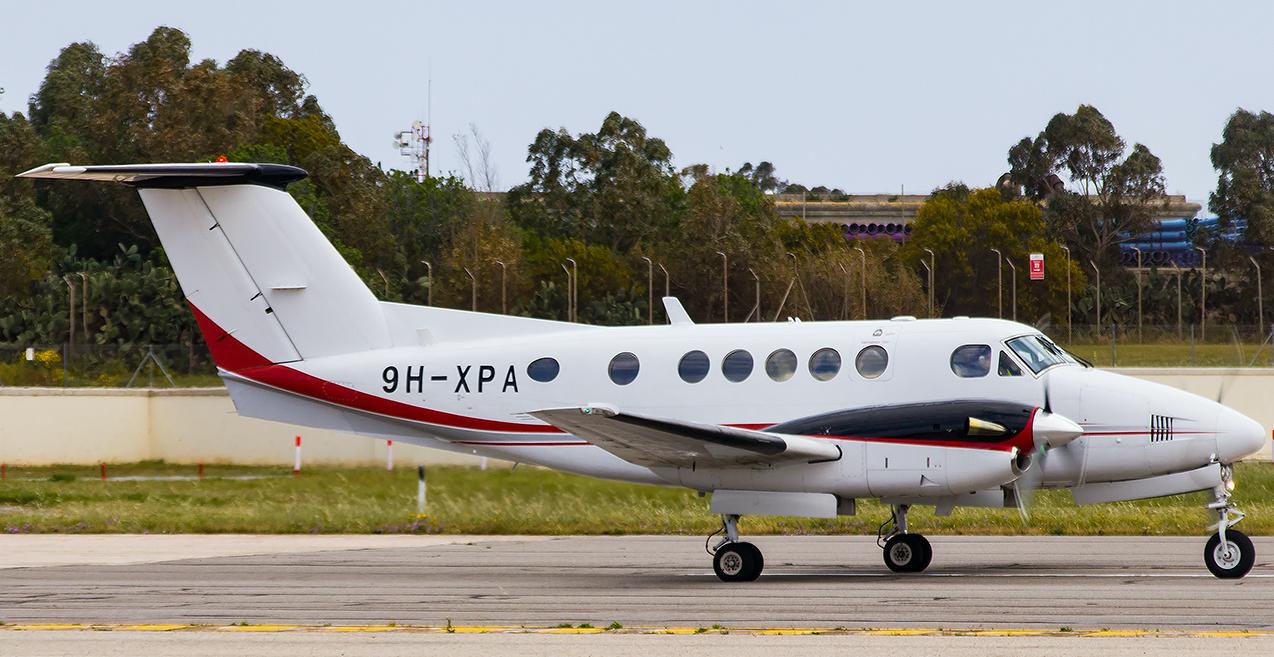 BIG Beechcraft Super King Air 200